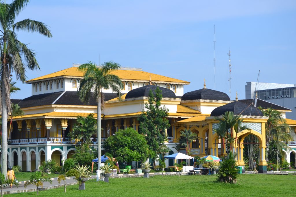 maimun maimoon palace attractions in medan